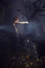 Без названия / красил: Виталик Гуляев http://inspirata.ru/gulyaev причесывала: Танюша Клюева http://inspirata.ru/klueva платье: Стас Лопаткин http://lopatkin.ru  полный сет на сайте: http://inspirata.ru/post/1040