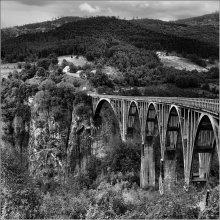 На другую сторону... / Черногория, Мост Джурджевича через реку Тару недалеко от Жабляка