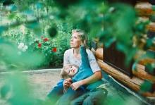 Портрет мамы и брата / июнь 2011 г.