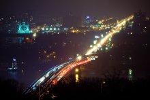 Дождливый декабрь / Один из самых банальных кадров, которые можно снять в Киеве. Тем не менее, это не отнимает у него выразительности.  Вот ещё один вариант, того же самого сюжета: http://photoclub.by/work.php?id_photo=65732&id_auth_photo=1972&page=1