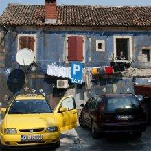 / он вернулся на обед или такси-2 :)  Котор, Черногория