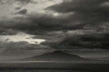 роковая гора / Vesuvius, view from island  Capri