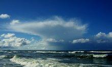Небесный парус / Небо Балтики,чаще хмурое,но иногда радует глаз и нужно оказаться в нужное время в нужном месте,чтобы это запечатлеть.