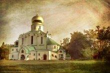 Храм / По дороге в Ростов