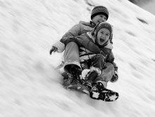 С горки боком / Зимние забавы детей
