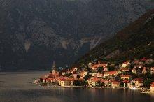 у подножия гор / Montenegrin mountains, Kotor