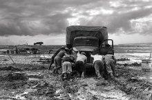 топографам посвящается / 26 января исполнилось 200 лет топографической службе России. переснято с фото 1967 г.