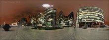London. Night City Landscape / Набережная Темзы рядом с Tower Bridge и London City Hall. Территория элитных офисов... В дневное время сделать здесь фото со штатива невозможно - через секунду как из под земли вырастают местные сикьюрити, жаждущие изобличить очередного террориста с пусковой установкой :) ... вечером же, видимо, и те и другие традиционно отдыхают... :)  Формат: HDR, вилка экспозиции - 3 кадра, 2 ряда по 8 позиций с перекрытием.   P.S. Это часть сферической панорамы, которую целиком можно посмотреть здесь: http://universe.by/panoramgalleries/41/panorams/41   P.P.S. практически это же место только на закате тут: [url=http://photoclub.by/work/325190][img]http://ii1.photocentra.ru/images/council32/325190_council.jpg[/img][/url]
