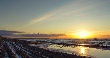 Зима.Закат. / Зимний вечер на берегу Балтийского моря.