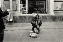 """Недетская музыка... / Эта работа из большой серии """"Уличные музыканты"""", и снято это в суровые 90-е..."""