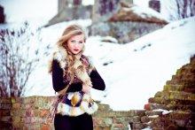 Зимняя / Последние зимние дни прошли в съемках, прекрасная Карина украсила серые будни.