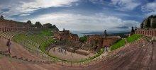 amphitheater / Italy