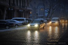 Весенний вечер. / Одесса. Весна. Метет снег...