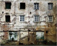 Любимых окон негасимый свет... / Вильнюс. Старая часть города. Дворик на ул. Траку.