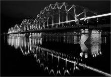 [ᴑᴑоO:] / Мост.Рига.Утро.Поезд.Отражение.Весна 2012 чб