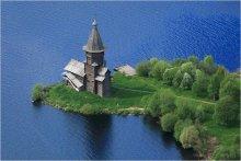 Успенская церковь / С борта вертолёта.