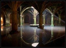 Португальская Цистерна. / находится в старом городе (медине) Эль-Джадиды, Марокко, побережье Атлантики,  построена в 1541 году,португальцами, для сбора дождевой воды. Снабжала город и крепость водой,что позволяло выдержать  долгое время любую осаду. съемка  со штативом внутри помещения запрещена. Снято с рук.