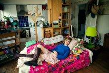 София / София делает инсталяции, ей 44 года, живет одна