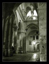 арки древнего храма / Иерусалим. Храм гроба Господня