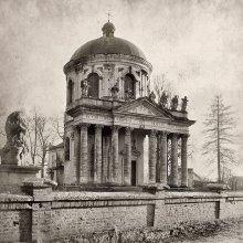 domini dei nostri / костел Воздвиженский  на Западной Украине чб