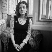 Катя (портрет на балконе) / Витебск, апрель 2012