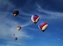 """... а шарик летит...# / В продолжение впечатлений от Фестиваля воздухоплавателей в Переславле-Залесском... Под предыдущей работой мне предложили такой вариант кадрирования - """"декоративный"""" :) А у меня такой кадр был..."""