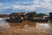 жизнь на воде / Вьетнамская рыбацкая деревня на озере Тонлесап серия Камбоджа