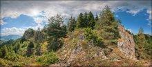 Болгария. Смолян. Гора Невяста #6 / Горная цепь, по которой проходит тропа на гору Невяста (Смолян, Болгария).  Формат: HDR, вилка экспозиции - 3 кадра, 2 ряда по 8 позиций с перекрытием.  P.S. Это часть сферической панорамы, которую целиком можно посмотреть здесь: http://universe.by/panoramgalleries/63/panorams/97