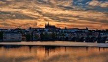 золотой закат над золотым городом / Прага, Чехия