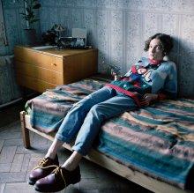 Катерина (портрет в красных ботинках) / СПб, июнь, 2012