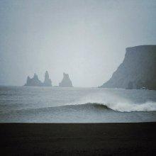 ocean in vík / iceland