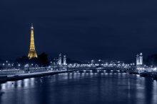 одинокая в ночи... / Париж, мост Александра III, Эйфелева башня, Сена