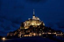 аббатство Мон Сен Мишель / ночное аббатство