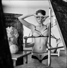 Женя (портрет с руками Лисовской) / Стихи для барышни без платья - http://ava-veled.livejournal.com/35167.html