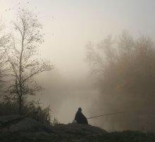 Вся рыба наша! / Даже если не клюет,они упорно сидят с надеждой вглядываясь на поплавок.