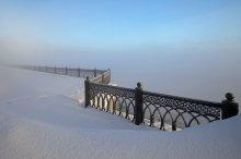 Геометрия зимы. / Ярославль,набережная реки Волга.