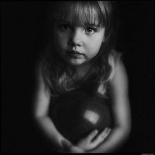 Портрет Варвары с мячом. / Как грустно и очень обычно все вышло