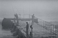 Туманная рыбалка... / Море, туман, рыбаки...