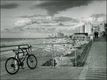 про велосипед на набережной / Тель-Авив