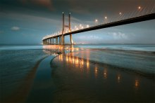 The Bridge / ***
