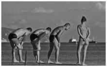 Обронила колечко / пляж,группа,Ихтиандры