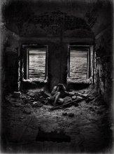 Боязнь окон... / Работа сделана из моих фотографий отснятых в разных местах и разное время... Сводилось в PS3..