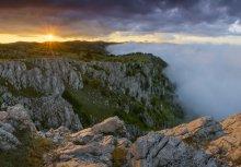 Без названия / Скалы Тарах-Хая, восточные склоны горного массива Демерджи, Крым