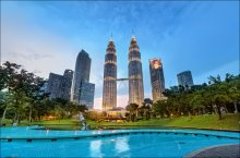 / Petronas Towers, Kuala-Lumpur, Malaysia