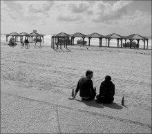 Разговор / Тель-авивский пляж прошедшей весной