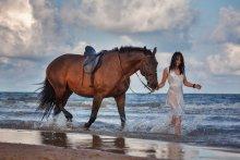 Без названия / Кадр сделан на мастер-классе Светланы Петровой по съемке лошадей, который проходил в латвийском городе Вентспилсе в рамках фотофестиваля Art Camp с 9 по 11 августа 2013г.