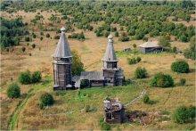 Варваринская церковь / Существующая деревянная яндомозерская Варваринская церковь была построена в 1650 г. До нее там имелась часовня, упомянутая в писцовой книге 1563 г. http://www.zaonego.ru/objects/varvar_church.html