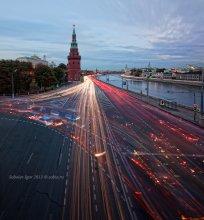 Обычный Московский вечер / Вид на Московский кремль с вечерней автомобильной пробкой.