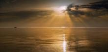 Азовские рассветы-IV / Азовское море Провожу обучение по обработке фотопейзажей в онлайн-режиме (на Вашем рабочем столе).Для деталей: ya.vadlen2010@yandex.ua