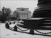 утренний снег / Санкт-Петербург. У подножия памятника Екатерине II. Вид на Александринский театр